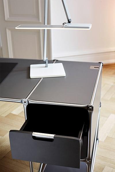 arbeiten mit system kontrast m bel leuchten accessoires. Black Bedroom Furniture Sets. Home Design Ideas